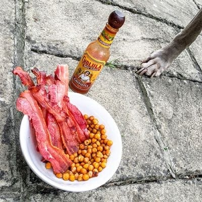 bacon and roasted chickpeas snacks